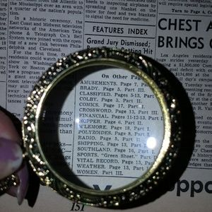 Jewelry - REAL MAGNIFYING GLASS NECKLACE ANTIQUE STYLE GOLD